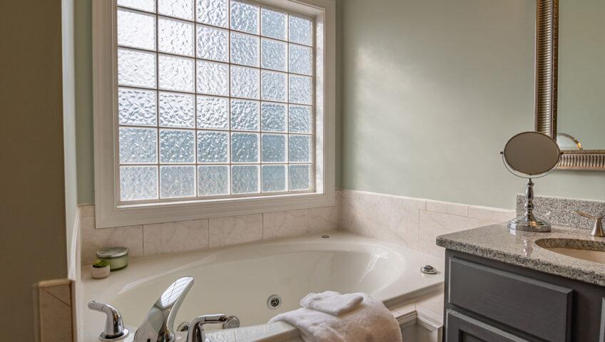 Should You Refinish Reglaze Or Replace Your Bathtub
